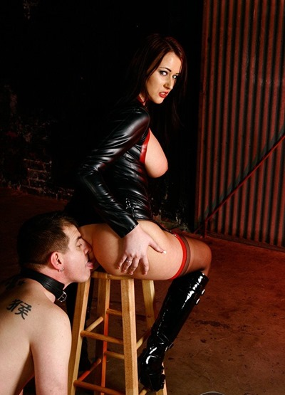 femdom-empire-humiliating-her-slave