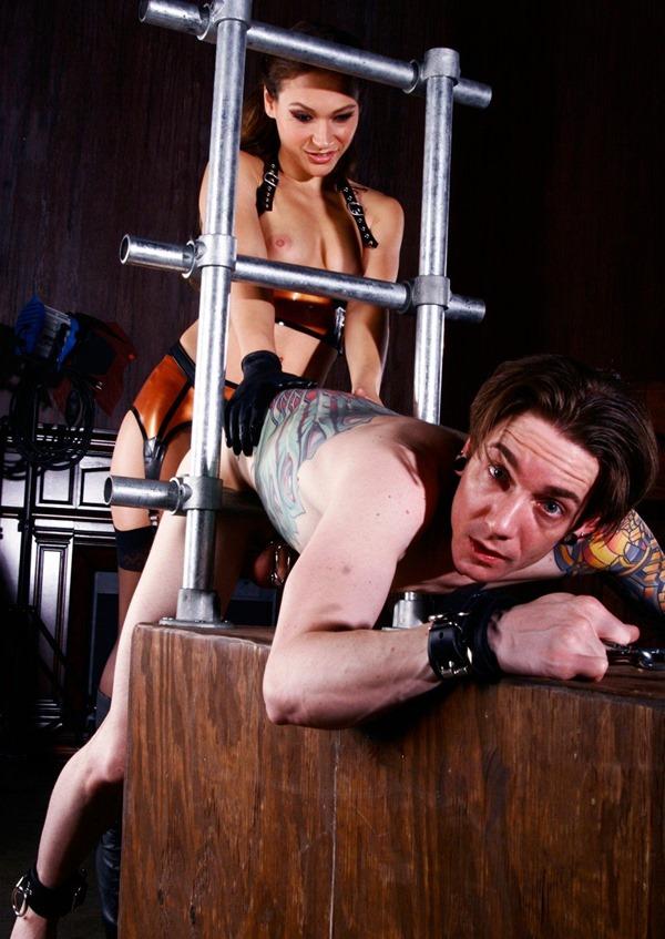 Mistress Callie Calypso dildo-fucks her slave